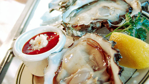 Chef John Gorham reviews Oysters on the half shell at