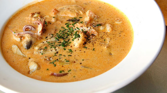 Chef Danny Bowien reviews Happy hour chowder at
