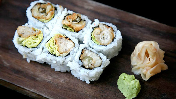 Chef Paul Liebrandt reviews Kaki fri maki at Blue Ribbon Sushi