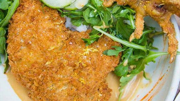Chef Daniel Holzman reviews Krispie fried chicken at