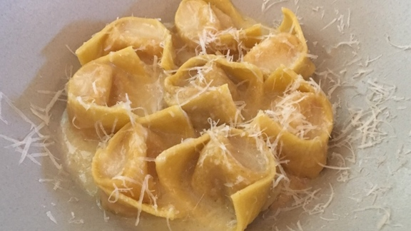 Chef Philip Speer reviews Tortellini in Brodo at Alimento