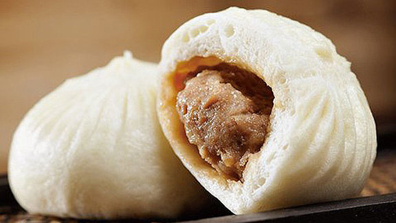 Chef Joe Miller reviews Steamed pork buns at