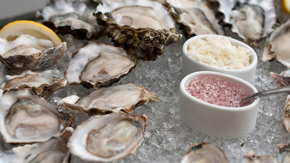 Chef Jennifer Shea reviews Oysters on the half-shell at The Walrus and the Carpenter