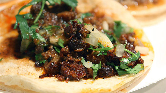 Chef Justin Bogle reviews Tacos al pastor at