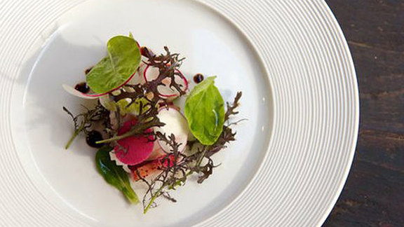 Chef Charlie Ayers reviews Warm lobster salad at Gramercy Tavern