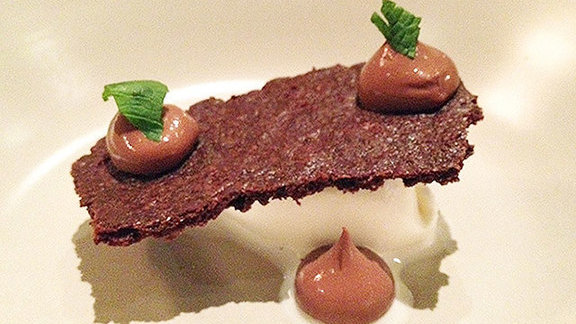 Chef Daniel Holzman reviews Mint chocolate cream at Rich Table