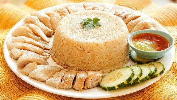 Regular Hainanese chicken rice w/ soup at Mamalee
