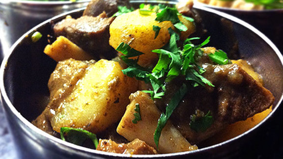 Chef Makoto Ono reviews Goat curry at