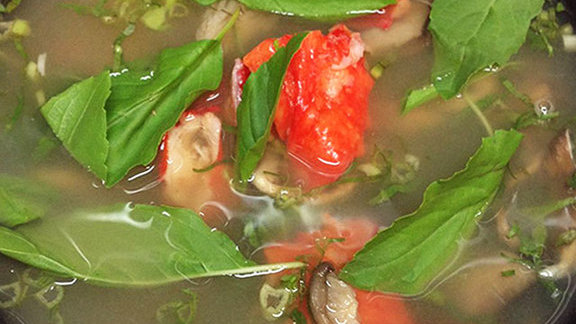 Chef Vikram Vij reviews Hot & sour soup of king crab at