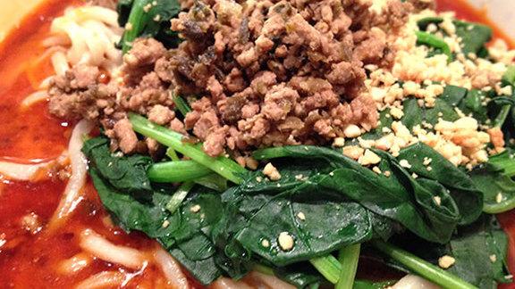 Dan-dan noodles at Peaceful Restaurant 和平饭店