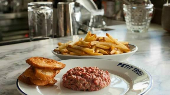 Beef tartare at Petit Trois