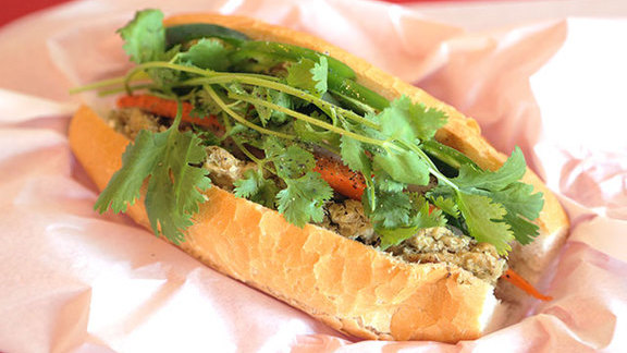 Chef Bill Corbett reviews Tofu sandwich at