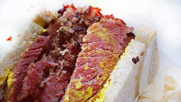 Smoke meat sandwich at Smoke Meat Pete