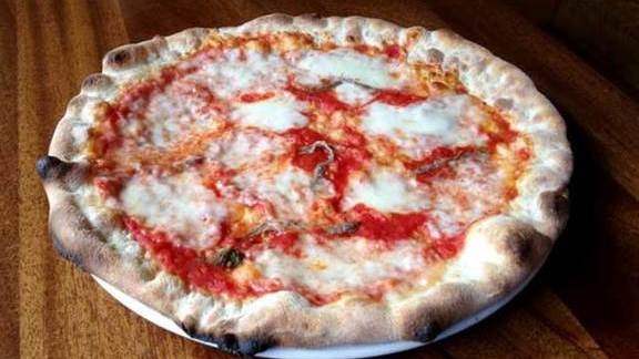 Napoli pizza at Terroni