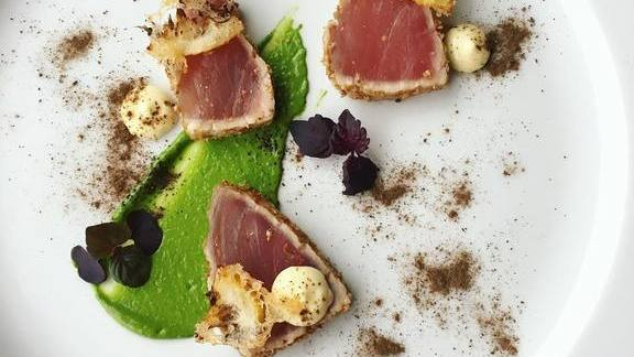 Chef Naomi Pomeroy reviews Seared tuna with mint pistou, Meyer lemon, lime powder, coriander, and shiso at Beast