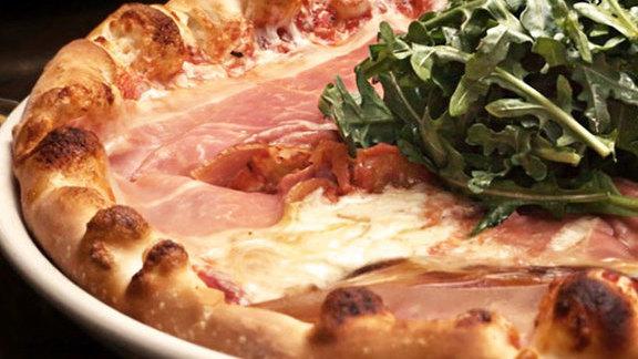 Chef Tom Coohill reviews Prosciutto pizza at Osteria Marco