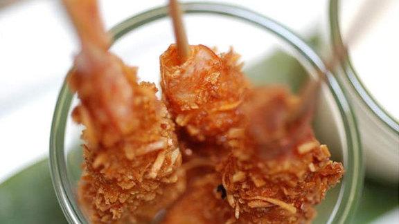 Chef Marino Tavares reviews Crevettes croustillantes at