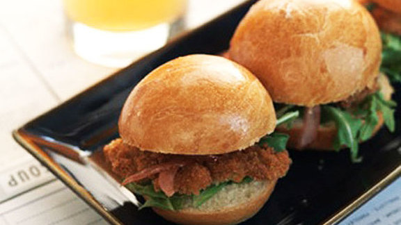 Chef Tim Maslow reviews Crispy Island Creek oyster sliders at Island Creek Oyster Bar