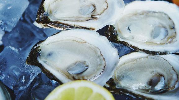 Plateaux de fruits de mer at Le Garde-Manger