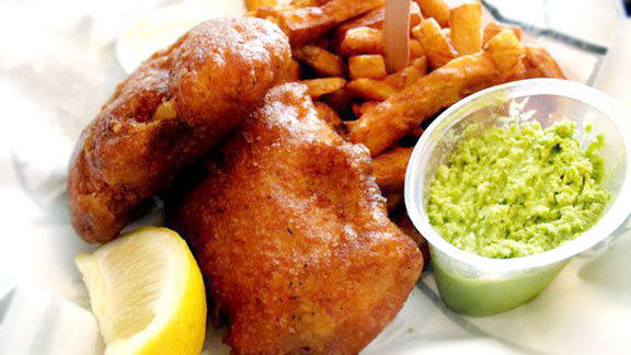 Chef Mathieu Cloutier reviews Fish n' chips at