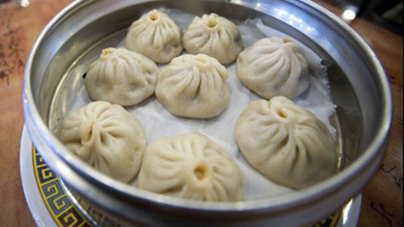 Chef Christopher Coombs reviews Dumplings at