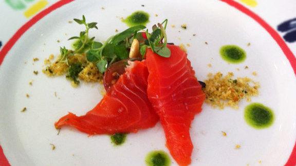 Chef Todd Richards reviews Steelhead salmon sashimi at
