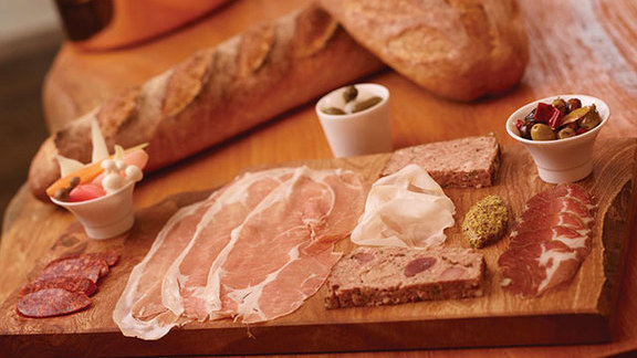 Chef Rob Gentile reviews Charcuterie board at Café Boulud