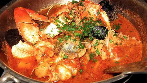 "The ""Best Damn Crab Cioppino"" at Sotto Mare Oysteria and Seafood Restaurant"