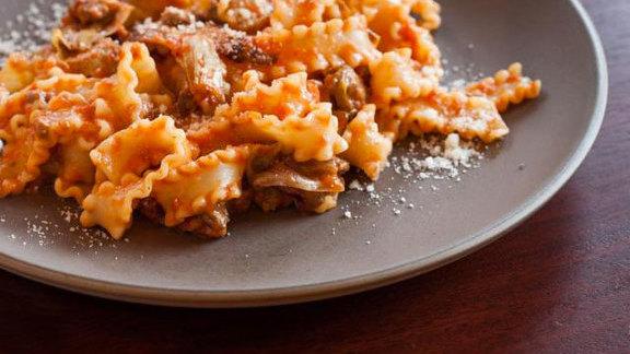 Chef Jason McLeod reviews Pasta at