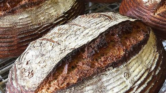 Chef Ellen King reviews Heritage whole wheat at HEWN Artisan Bread