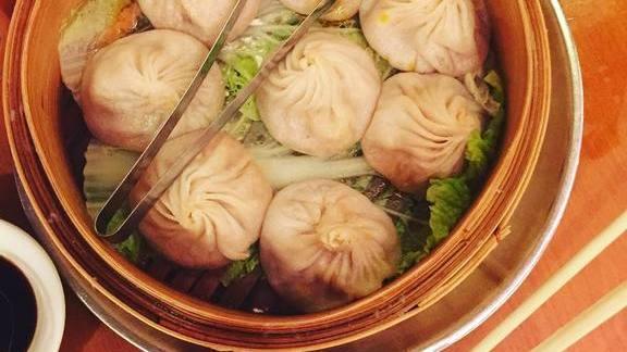 Soup dumplings at Joe's Shanghai 鹿嗚春
