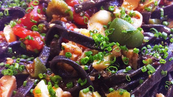 Chef Jody Adams reviews Linguini nero at Coppa
