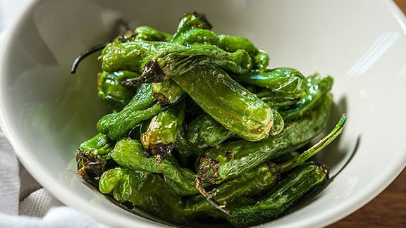 Chef Jasper White reviews Pimientos del Padron at