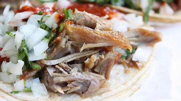 Chef Kyle Itani reviews Carnitas tacos at