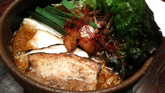 Chef Tim Luym reviews Garlic pork ramen at