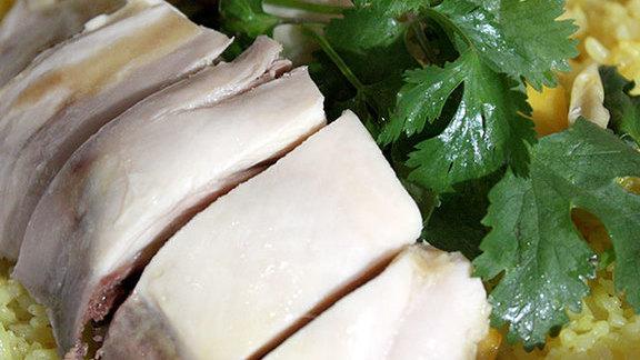 Chef Miles Thompson reviews Hainan chicken at
