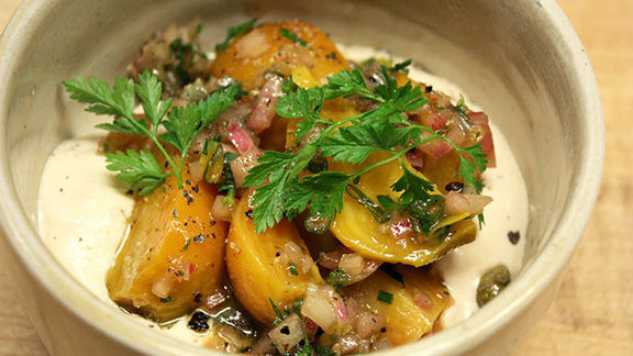 """Chef Michael Anthony reviews Smoked trout """"creamed"""" beets at"""