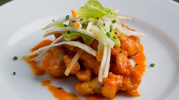 Chef Tenney Flynn reviews Veal sweetbreads at Sylvain