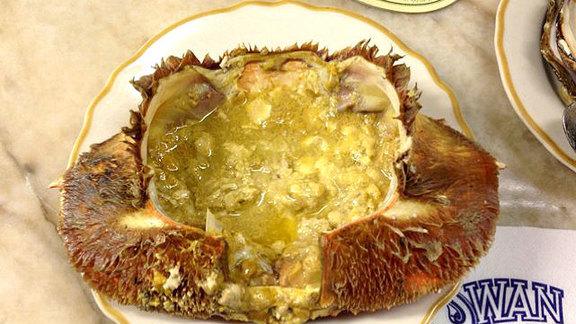 Chef David  Baeli reviews Half cracked crab at