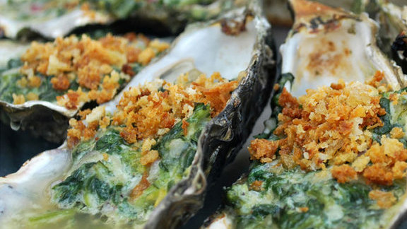 Chef Liza Shaw reviews Rockefella oysters w/ spinach & cheese at