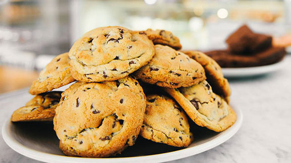 Salted chocolate chip cookies at épicerie