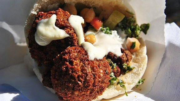 Chef Todd Gray reviews Falafel at