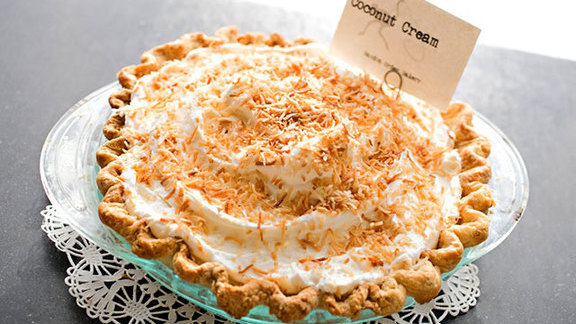 Chef Cristina Baez reviews Coconut cream pie at