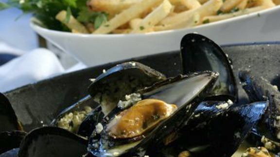 Classic mussels w/ white wine at Brasserie Beck