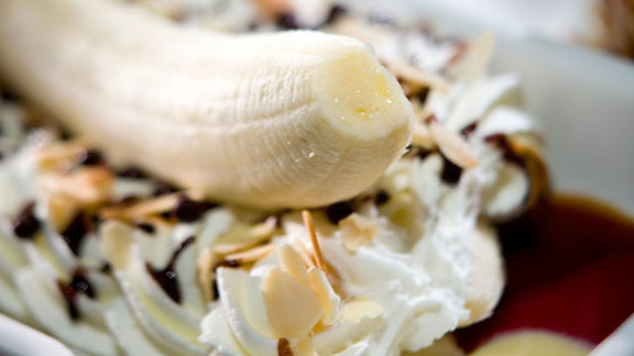 Chef Mike Isabella reviews Banana split at Central Michel Richard