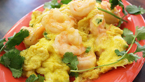 Scrambled eggs w/ shrimp at Yuet Lee