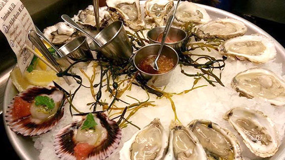 Chef Dave Danhi reviews Oysters on the half shell at