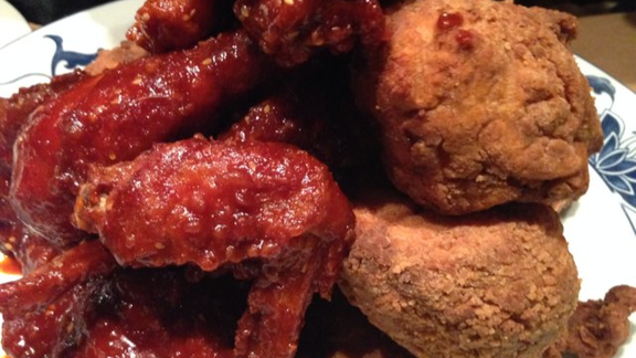 Fried chicken served two ways at Momofuku Noodle Bar