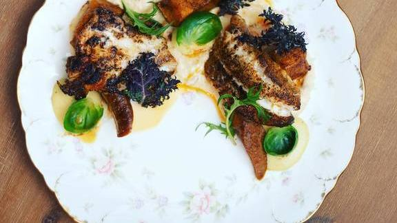 Chef David Root reviews Blackened snapper, Anson Mills grits, caramelized acorn squash at The Hairy Lobster