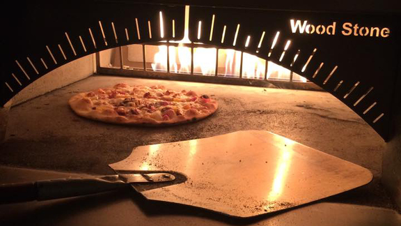 Chef Cory Willard reviews Pizza of the day at